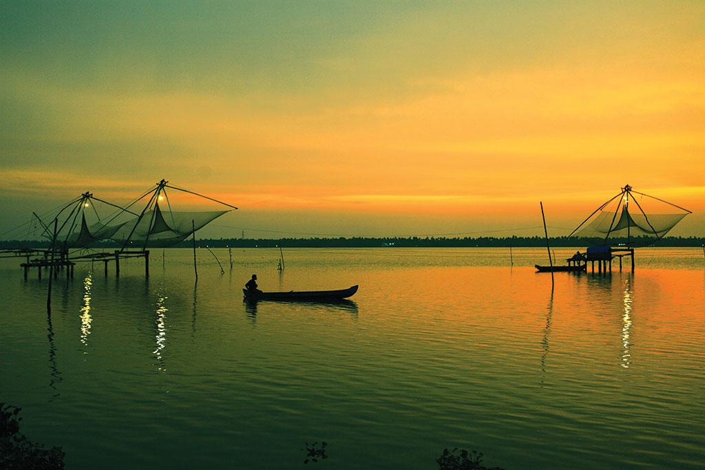 Cochin–Munnar–Varkala Tour Package